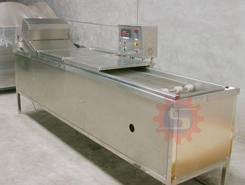 Gas conveyor fryer