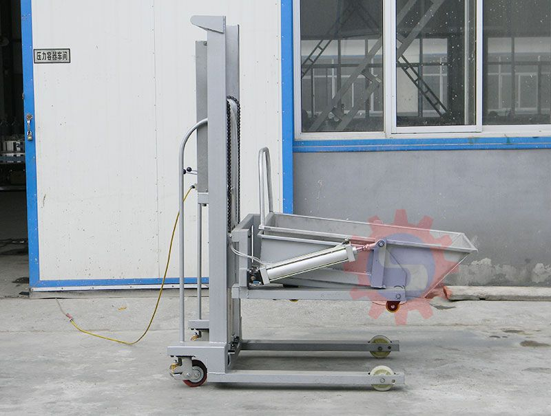 Pneumatic lifting machine