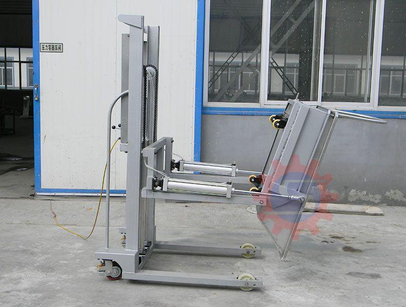 Pneumatic lifting machine