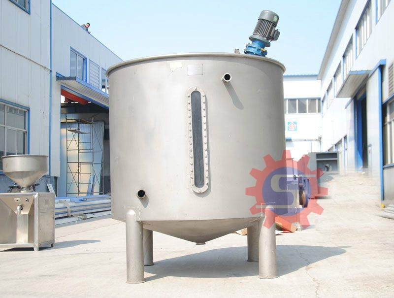 Steam jacketed mixing tank